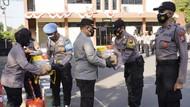 Polisi di Bojonegoro Dapat Paket Vitamin dan Suplemen untuk Jaga Imun