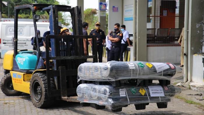 Tabung oksigen bantuan Singapura untuk Solo