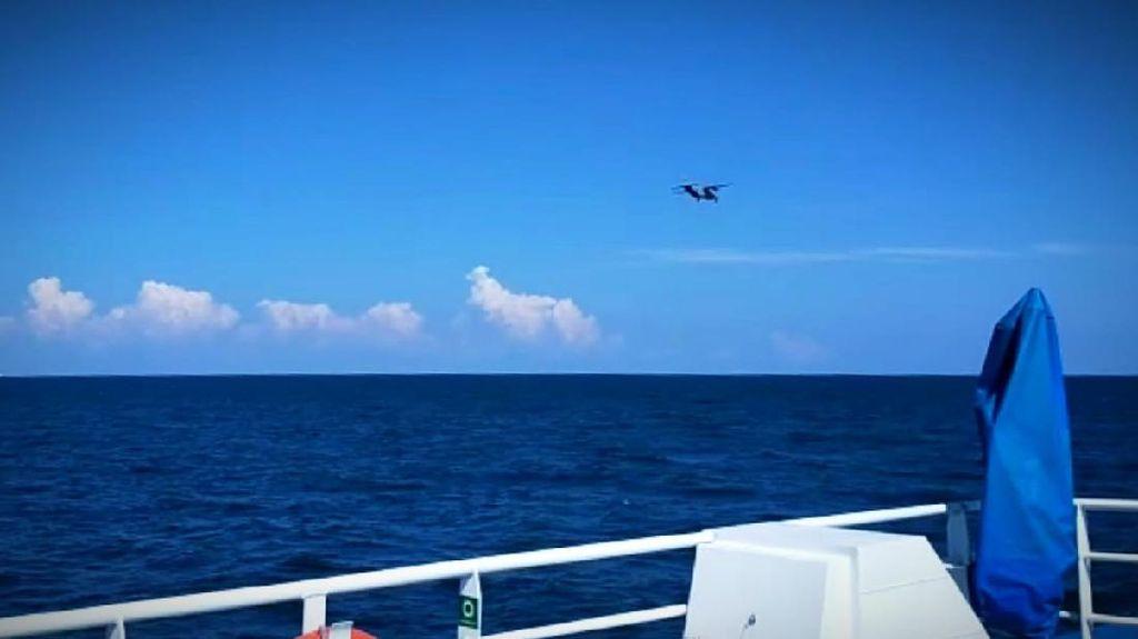 2 KRI-2 Pesawat TNI AL Cari ABK 18 Kapal yang Hilang di Laut Kalbar