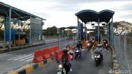Warga Toron Mulai Penuhi Jembatan Suramadu, Tak Ada Penyekatan