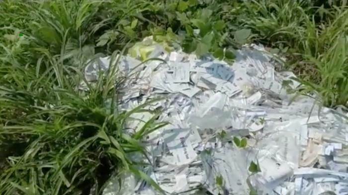 Tumpukan limbah medis diduga sisa rapid test antigen di Bakauheni, Lampung, viral di medsos (Screenshot video viral)