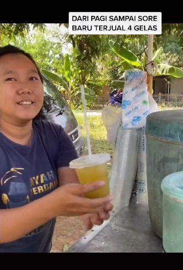 Viral Penjual Nangis Terharu Es Tebunya Ditawar Harga Rp 500 Ribu