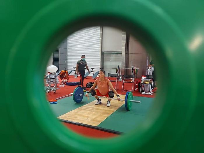 Windy Cantika Aisyah dan tim angkat besi Indonesia sudah berlatih di Tokyo menjelang Olmpiade 2020.