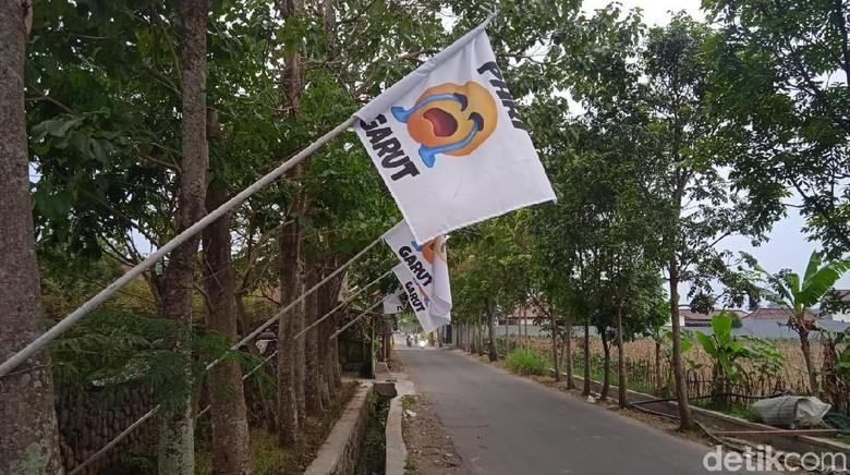 Bendera putih menangis PHRI Garut