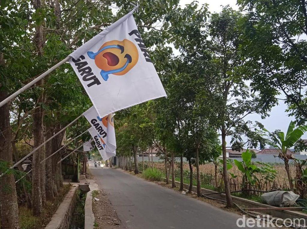 Sandiaga: Bendera Putih Bukan Tanda Perlawanan tapi Isyarat Butuh Bantuan
