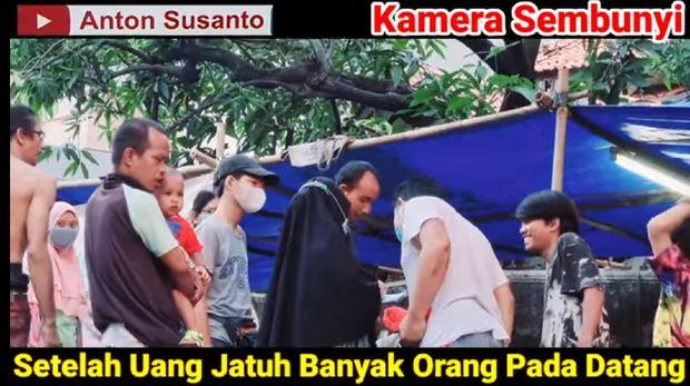 Dandan Jadi Pemulung, Ustaz Anton Susanto Beli Kambing Kurban Paling Besar