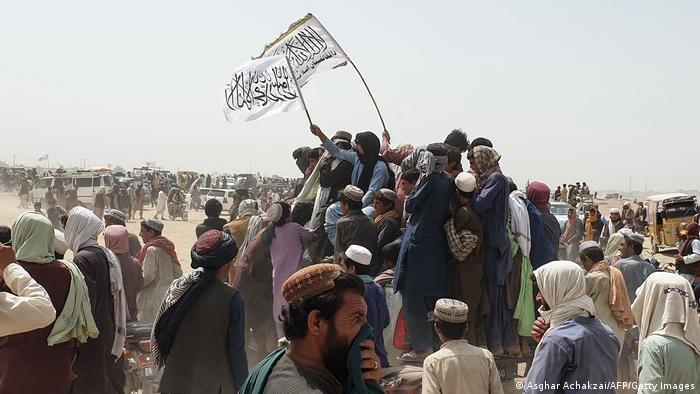 Pakar menilai dugaan dukungan Islamabad kepada Taliban dapat merusak reputasi Pakistan di komunitas internasional (Asghar Achakzai/AFP/Getty Images)