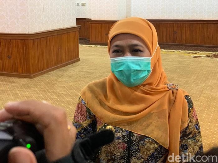 Hari ini merupakan hari terakhir PPKM Darurat di Jawa-Bali. Soal diperpanjang atau tidak, Gubernur Jawa Timur Khofifah Indar Parawansa mengajak semua pihak menunggu keputusan Presiden Joko Widodo.