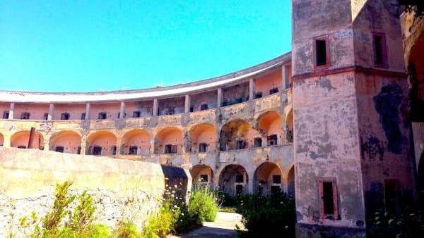 Terlepas dari proyek besar itu, nyatanya ada tur yang mengajak wisatawan untuk napak tilas ke penjara dari abad ke-18 itu. Berdurasi 40 menit, traveler bisa melihat setiap sudut beserta kisahnya. (Silvia Marchetti/CNN Travel)