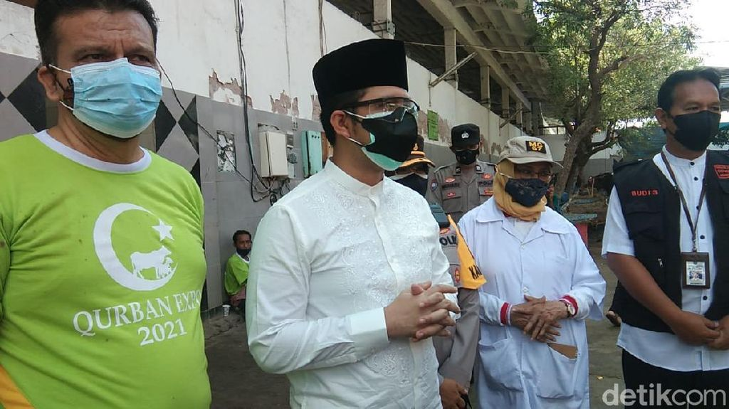 Wagub Jatim Senang Banyak Warga Surabaya Sembelih Hewan Kurban di RPH