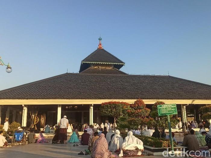 Salat Idul Adha di Masjid Agung Demak, Selasa (20/7/2021).