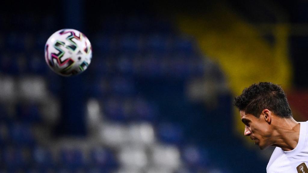 Skenario Real Madrid: Lepas Varane ke MU demi Kejar Mbappe?