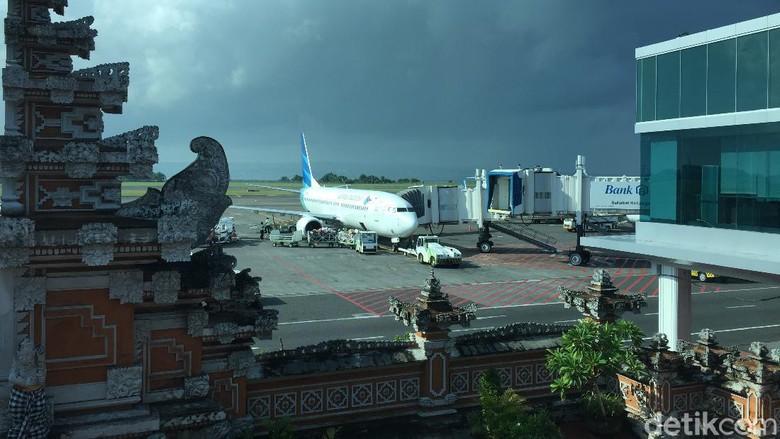 Pesawat Garuda parkir di Bandara I Gusti Ngurah Rai Bali