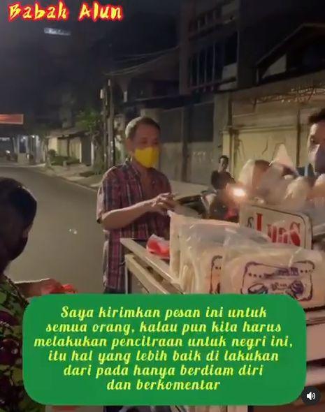 Dermawan! 5 Kebaikan Jusuf Hamka saat Borong Makanan dari Pedagang saat PPKM