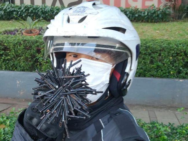 Siapa Sih yang Tebar Ranjau Paku di Jalanan Jakarta?