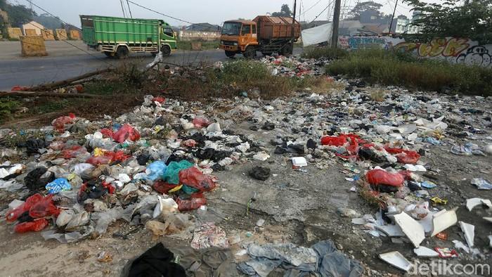 sampah jakarta / PPKM surabaya