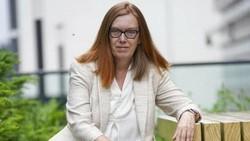 Nama Sarah Gilbert diperbincangkan oleh dunia karena dia rela melepaskan hak patennya sebagai penemu vaksin AstraZeneca.