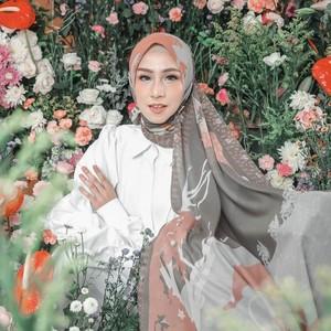 30 Kata-Kata Bijak Islami Tentang Wanita Muslimah Penuh Makna