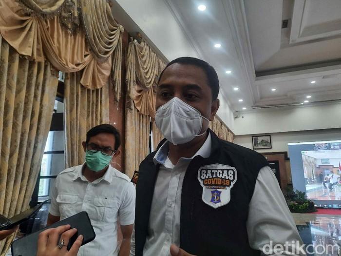 PPKM Darurat diperpanjang hingga 25 Juli 2021. Wali Kota Surabaya Eri Cahyadi mengajak semua pihak berjibaku menurunkan kasus COVID-19, agar ada pelonggaran pada 26 Juli.