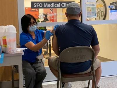 Sempat Khawatir, Traveler Ikuti Wisata Vaksin ke AS, Disuntik Johnson&Johnson