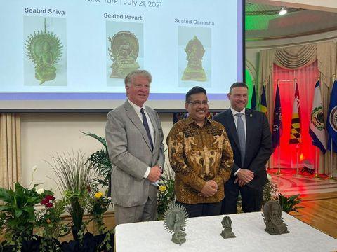 3 Artefak Obyek Cagar Budaya yang Diselundupkan ke Amerika Dikembalikan ke Indonesia pada 21 Juli 2021 melalui KJRI New York