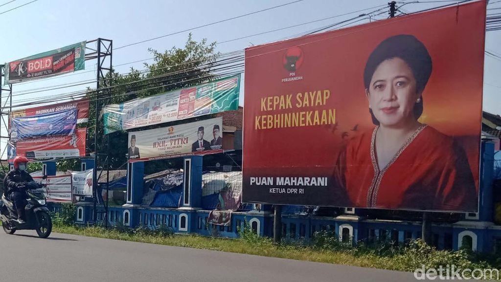 Baliho Tokoh Partai Mejeng di Klaten saat PPKM Darurat