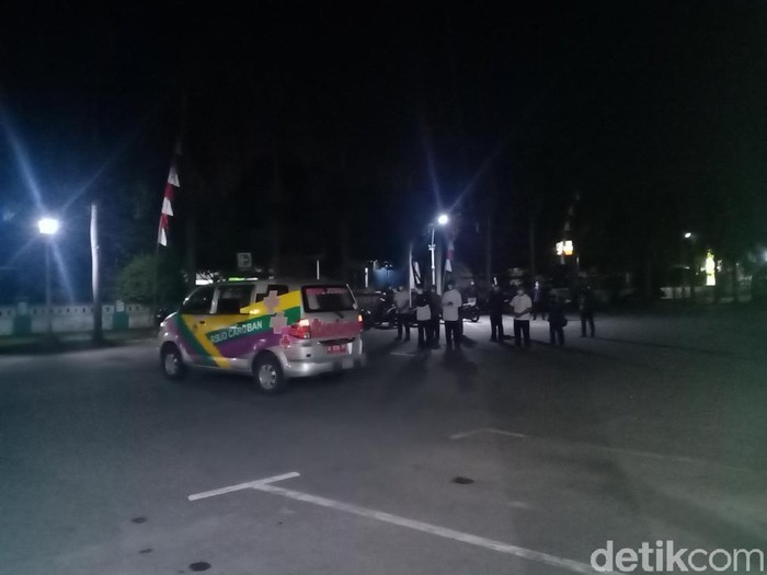 Kabar duka datang dari tenaga kesehatan di Kabupaten Madiun. Seorang bidan meninggal terpapar COVID-19.