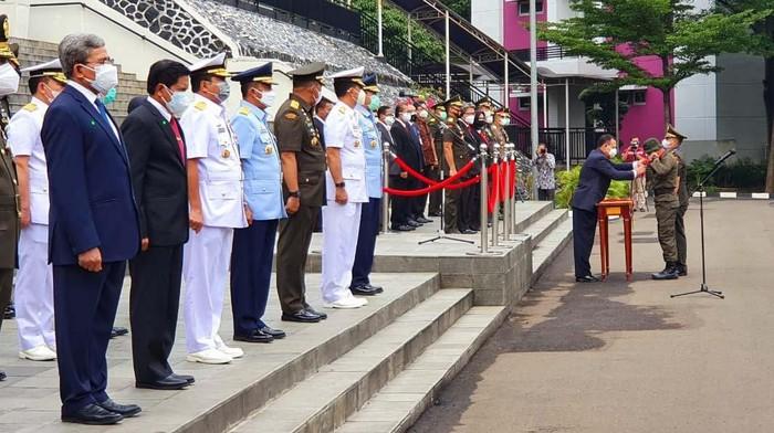 Pendidikan dan latihan bela negara serta wawasan kebangsaan berlangsung di Universitas Pertahanan Sentul, Bogor. Diklat itu dibuka Ketua KPK Firli Bahuri.