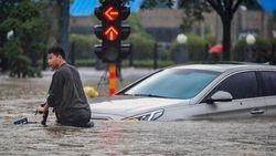Imbas Banjir di China, Rantai Pasok Batu Bara hingga Mobil Terganggu