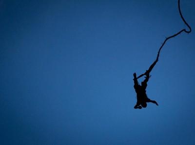 Turis Tewas Saat Main Bungee Jumping, Puncak yang Bak Kota Mati