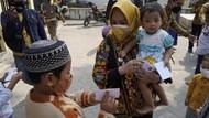 Walkot Mojokerto Beri Hadiah ke Anak-anak yang Taat Prokes