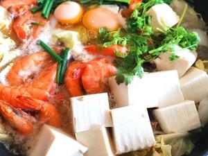 Resep Hot Pot Tahu dan Udang yang Berkuah Bening Segar