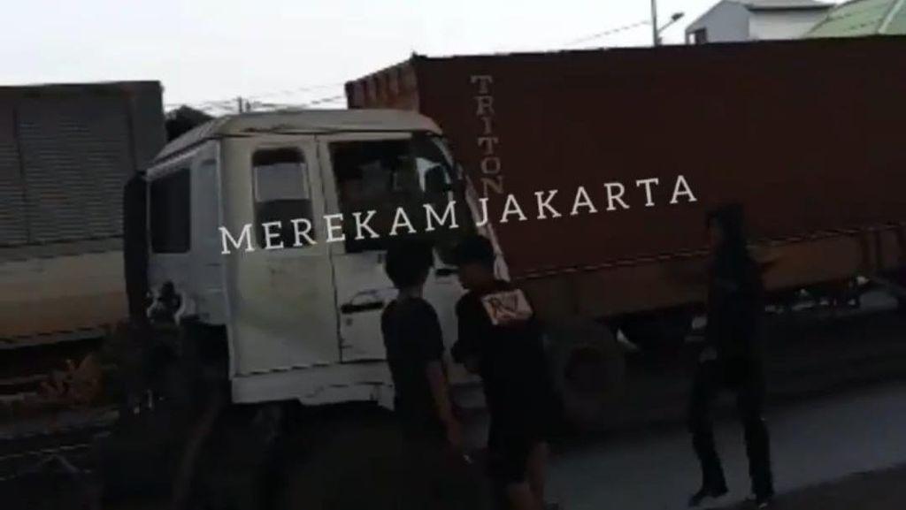 Polisi Tangkap 3 Pria yang Viral Palak Sopir Truk di Cilincing Jakut