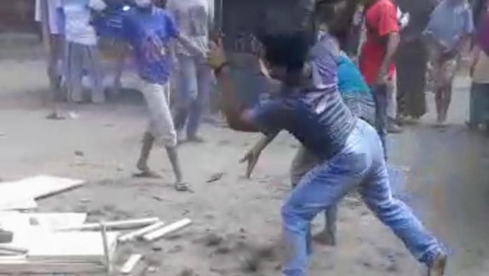 viral warga di situbondo rusak peti jenazah covid-19