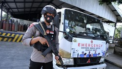 Meningkatnya jumlah kasus positif COVID 19 membuat sejumlah daerah di Indonesia mengalami kekurangan pasokan oksigen.