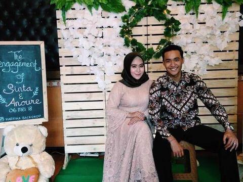 Foto Sinta Rizki Dewi Arfiani dan Anoure AsLama.