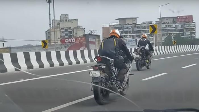 Generasi terbaru Yamaha R15 sedang dites di jalanan India