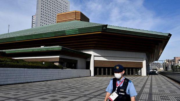 Kokugikan Arena di Tokyo (Photo by LUIS ROBAYO / AFP)
