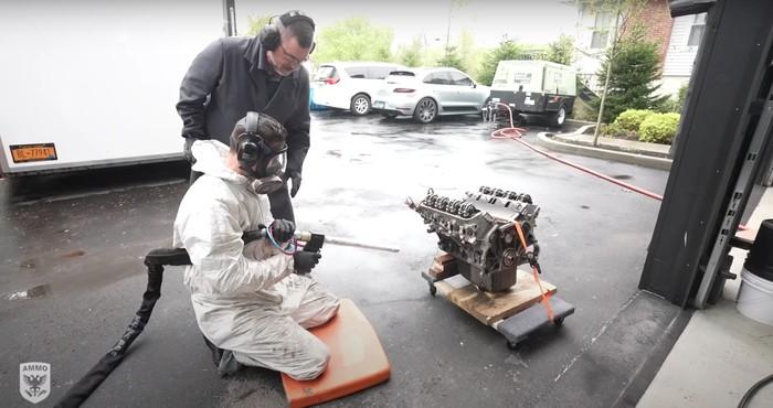 Metode pembersihan dry ice blasting ke Land Rover Defender