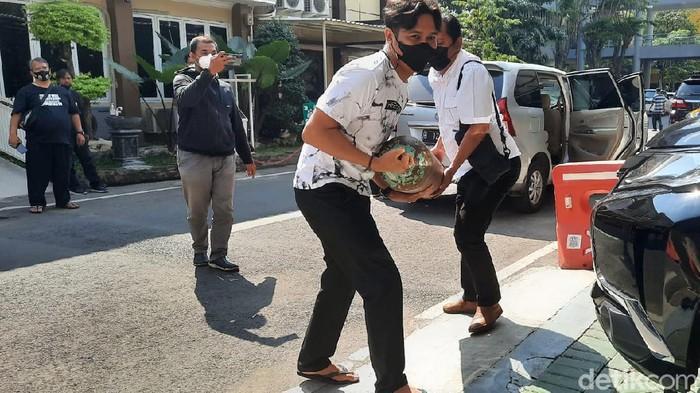 Polisi telah menguji isi tabung yang diduga oksigen palsu di Tulungagung. Hasilnya, tabung tersebut berisi oksigen asli yang berasal dari BPBD Pacitan.