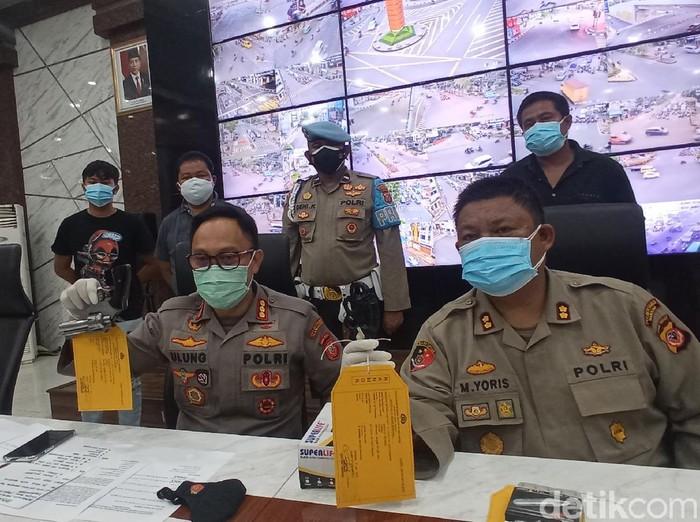 Polisi Tangkap Pemuda yang Bawa Revolver Rakitan di Bandung