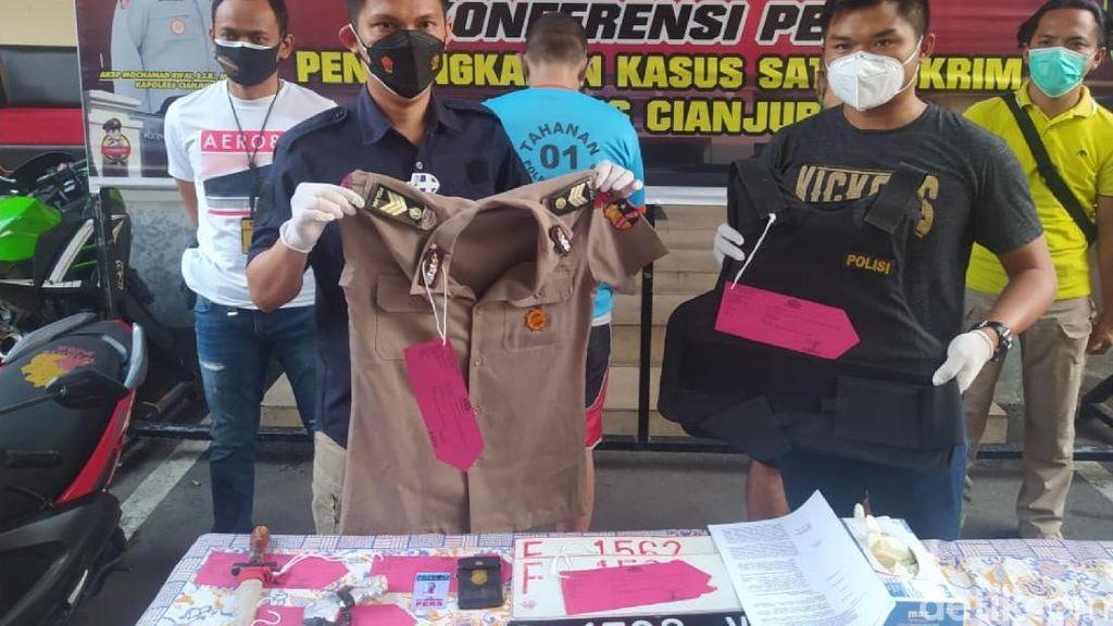Tipu-Rampas Kendaraan Warga, 2 Polisi Gadungan di Cianjur Ditangkap