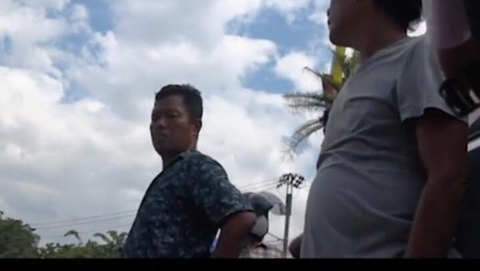 Screenshot video viral pungli ke teknisi HP di Medan (dok. Istimewa)