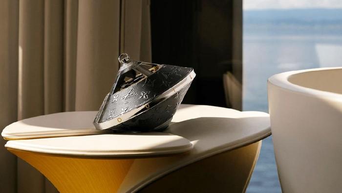 Speaker  bentuk UFO bautan Louis Vuitton