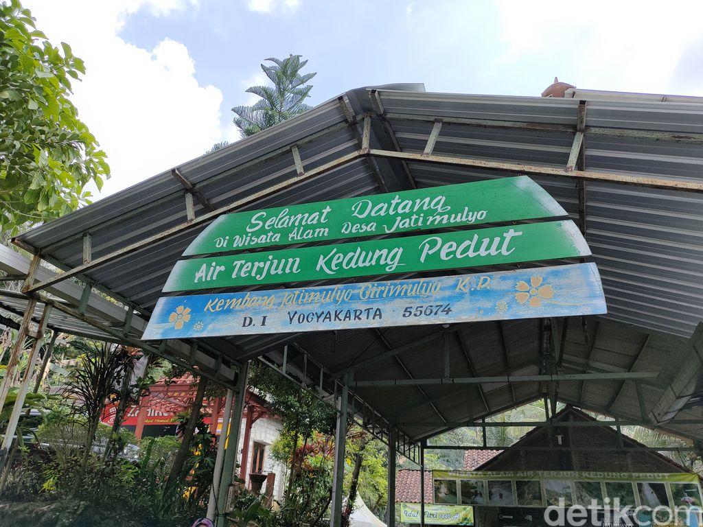 Suasana Kedai Kopi Ingkar Janji yang tutup selama PPKM Level 4 di Kulon Progo