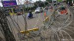 Isu Demo Jokowi End Game, Kawat Berduri Bentengi Istana