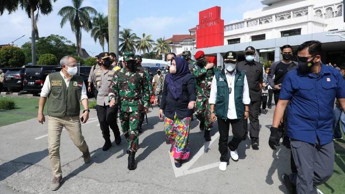 Panglima TNI mengunjungi lokasi isolasi terpusat di Bandung
