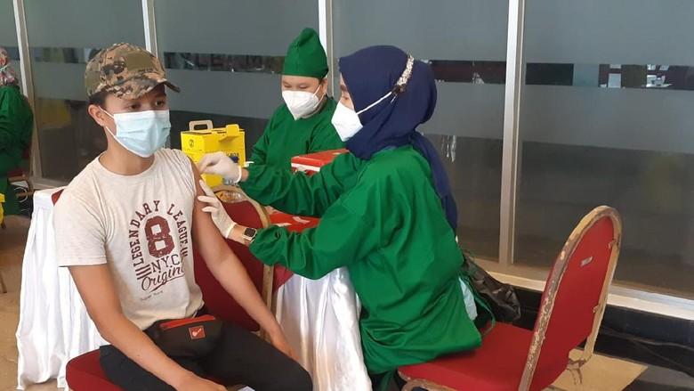 Vaksinasi di Ancol