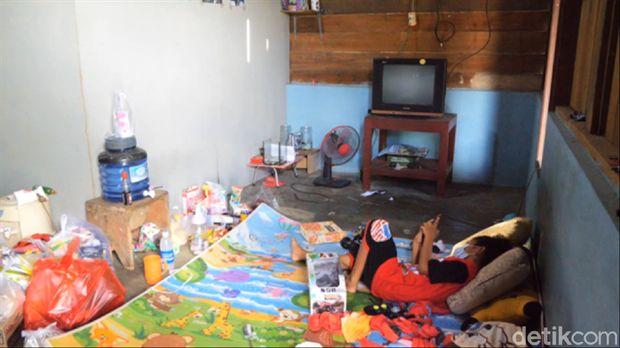 Vino di rumahnya, di Kutai Timur Kalimantan Barat. (Suriyatman/detikcom)