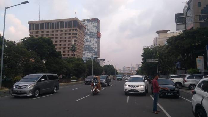 Situasi terkini di Jl Gajah Mada, Jakarta Pusat, Sabtu (24/7/2021) pukul 17.30 WIB. Tidak ada massa demo di lokasi.